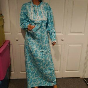 Vtg Carriage Court SEARS Long Flannel Nightgown